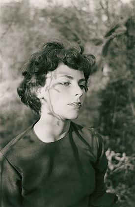 Edith, Danville (Virginia), 1963 / Gelatina de plata / © Emmet Gowin, cortesía Pace/MacGill Gallery, New York