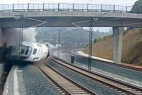 Esta imagen, patrocinada por una firma de maletas o de Loterías con felices viajes en tren. Está pasando.