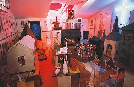 'The Klan Room', una habitación que encierra la obsesión por denunciar al Ku Klux Klan