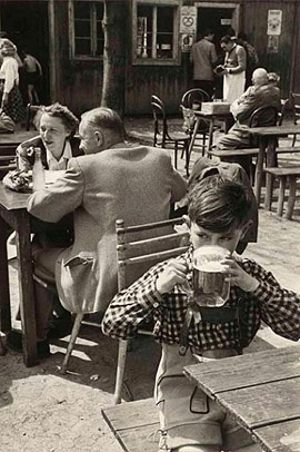 © Erich Lessing/Magnum Photos. Wienerwald, Austria, 1954