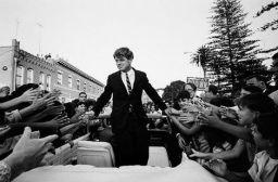Kennedy Campaignin in California, 1968 | ©Steve Schapiro
