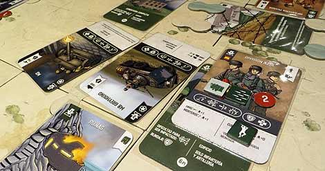Es fácil liarse en un 'atasco' de unidades entre fichas, cartas de terreno, heridas, capacidades...