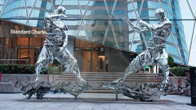 Escultura en una de las zonas más modernas de la ciudad.