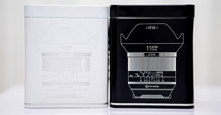 Los objetivos Irix vienen en una lata blanca o negra según la versión Firefly o Blackstone