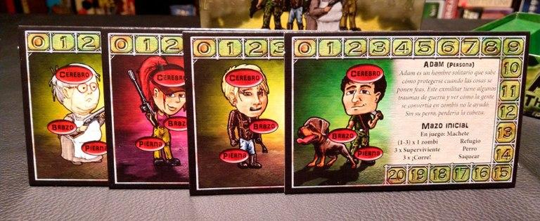 Estas son las tarjetas de personaje, con la configuración de su mazo inicial.