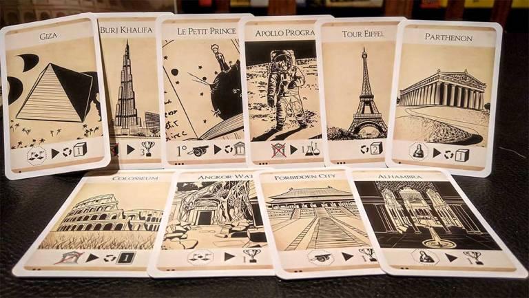 Algunas de las cartas de maravillas que hay en el juego.